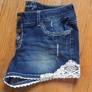 Lacey jeans shorts
